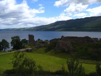 Hrad Urquhart a Loch Ness